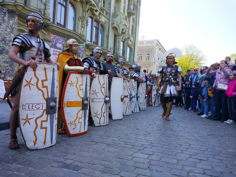 Римські легіонери в центрі Одеси