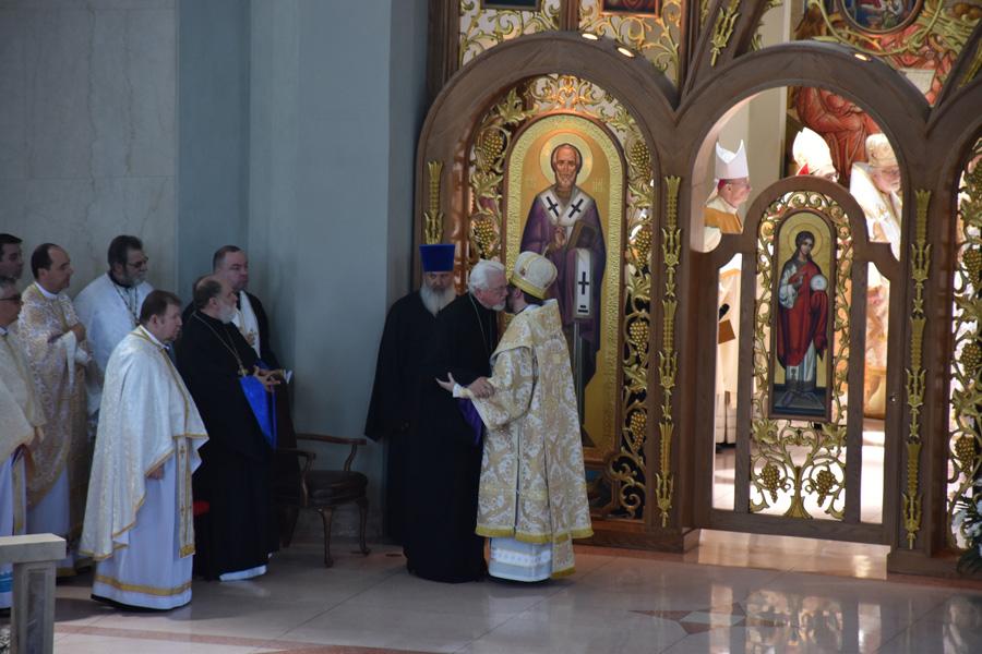 Христос посеред нас! Митрополит Антоній і Патріарх Святослав