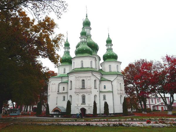 Картинки по запросу Свято – Троїцький Густинський монастир фото