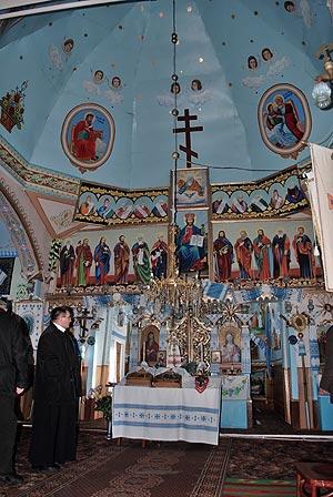 Mahnivci-cerkva-ikonostas