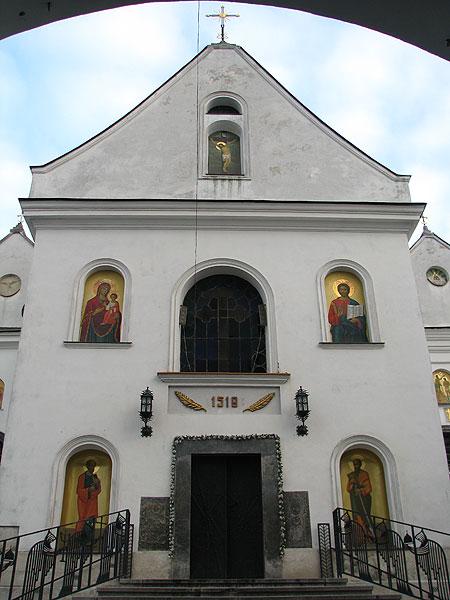 Сучасний вигляд церкви св. Онуфрія, центральний вхід