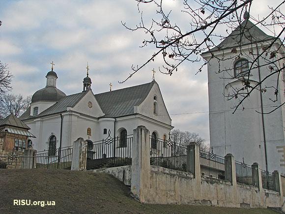 Вигляд на церкву і дзвіницю з Жовківського тракту
