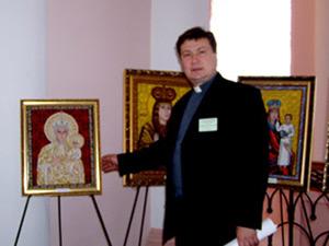 о. Ігор Ковальчук у музеї