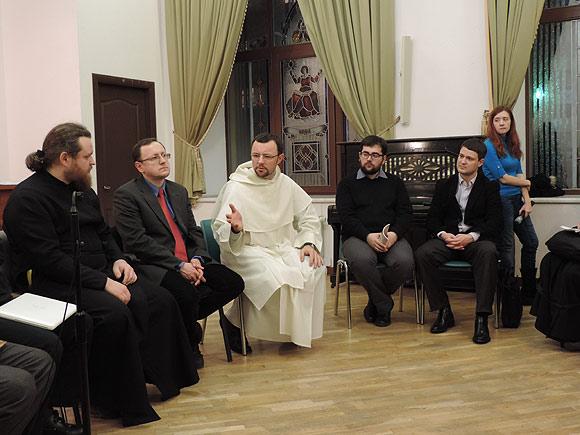 Круглий стіл про богослов'я в присутності Майдану
