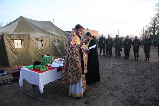 Митрополит УПЦ (МП) відслужив літургії в зоні АТО