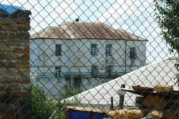 Ув'язнені монастирі