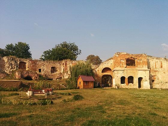 Бережанський замок, внутрішній дворик