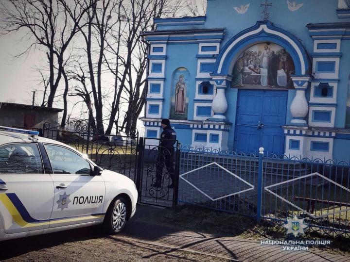 На Рівненщині попів Московського патріархату вигнали зхраму