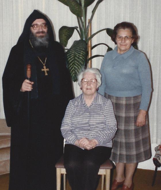 05. Отець Любомир Гузар з матір'ю і сестрою в Детройті, 1985-1986 рік