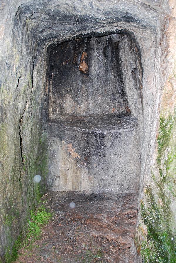 Одна з ніш у північній частині храму