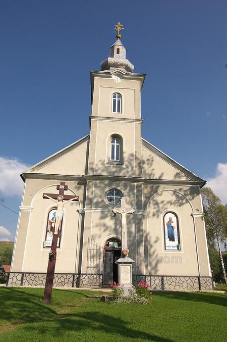 Святопокровська церква в Ясінях
