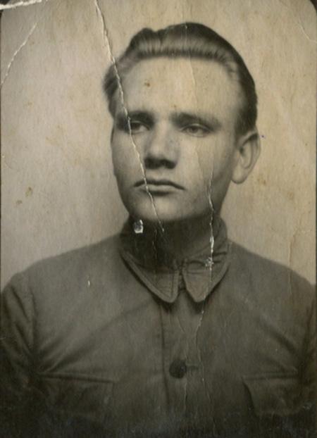 Ратислав-Михайло, 1941 р. Світлина надана дослідником Ігорем Іваньковим