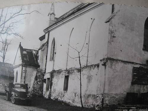 Костел, архівне фото