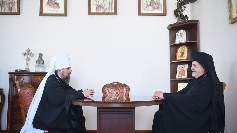 In Kyiv, Primate of the OCU discusses inter-Orthodox relations with a representative of the Ecumenical Patriarchate - фото 1