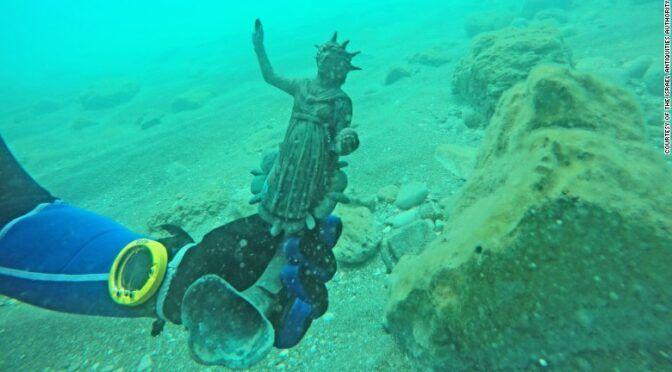 Біля Кесарії виявили затонуле судно з монетами та скульптурамидавньоримських богів - фото 58346