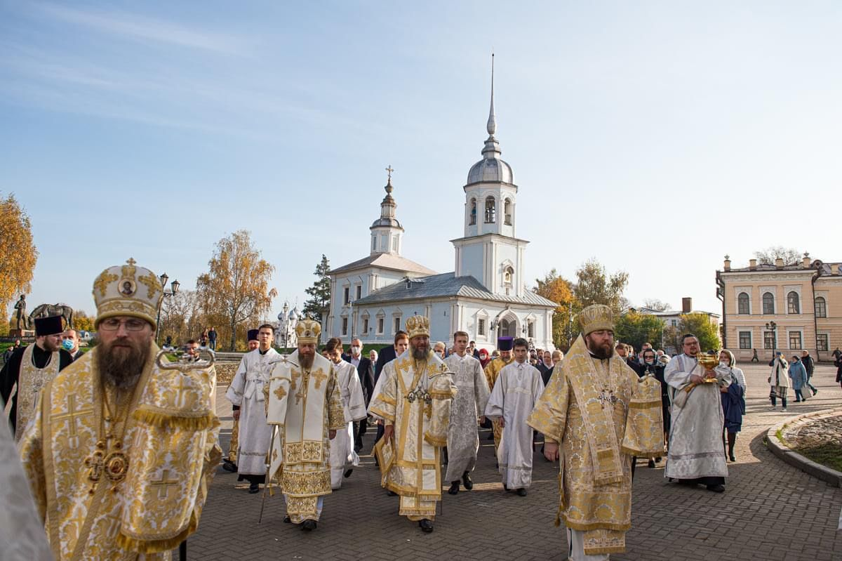 At the height of the war, 'Ukrainian patrons' fund cathedral renovation in Vologda, Russia - фото 59516