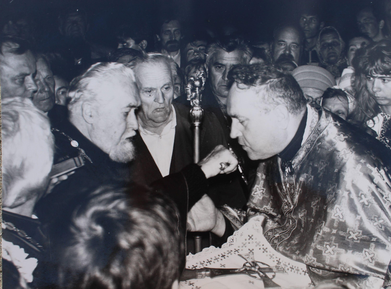 Кардинал Любачівський підніс чернівецького пароха Михайла Косила до гідності митрофорного протоієрея