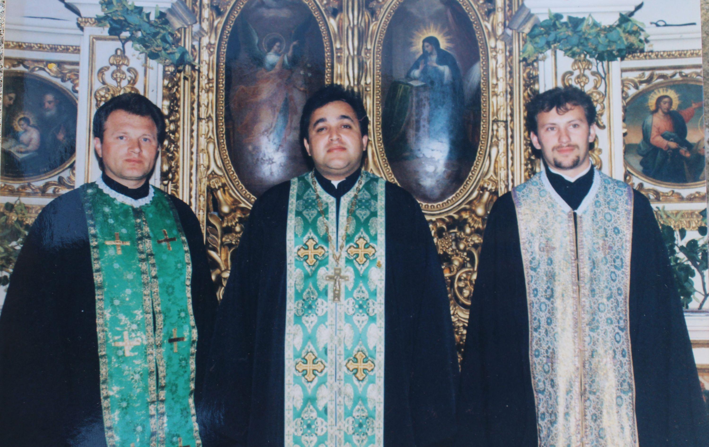 Отці Василь Гасинець, Валерій Сиротюк, Володимир Боровий, працюють у Чернівцях із середини 90-х до сьогодні
