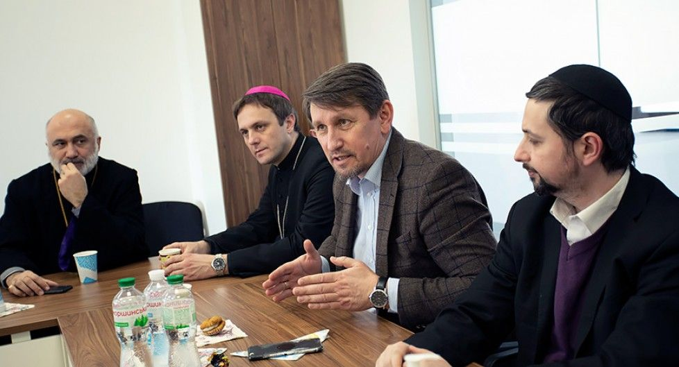 Building bridges of cooperation: MPs discussed with religious leaders the need for family policy in Ukraine - фото 67743