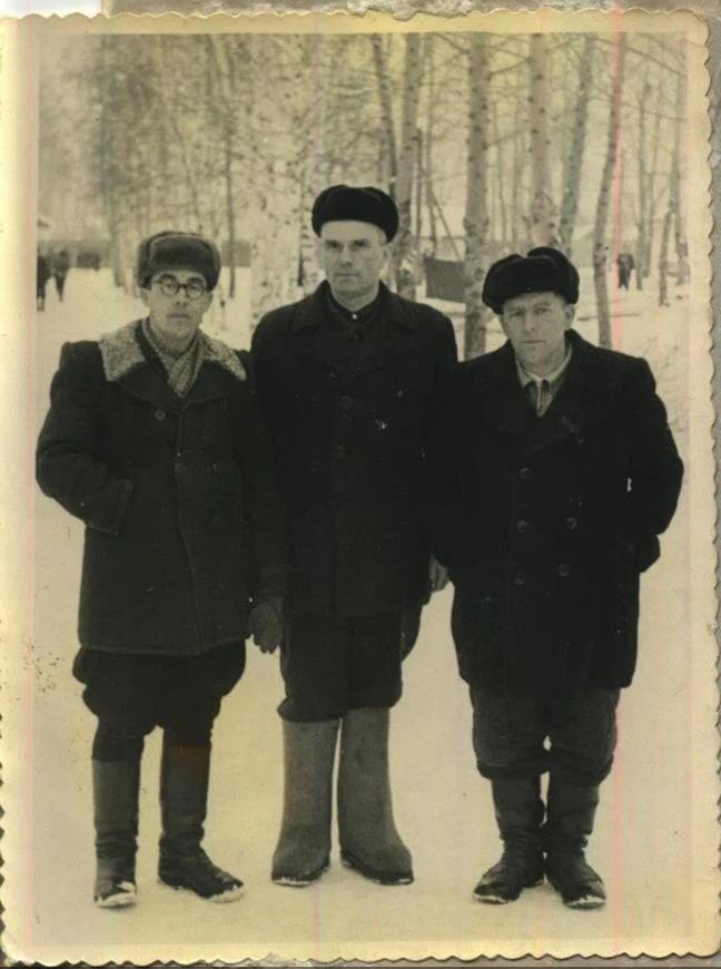 Отець Павло Василик, отець-диякон Степан Мамчур, невідомий. Мордовія, 1963 р.