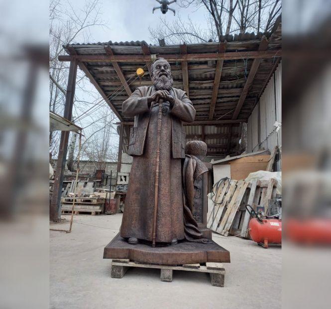 «Скульптура вже готова»: у Вінниці встановлять пам'ятник Любомиру Гузару - фото 71001