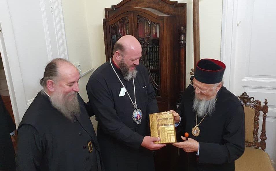 Митрополит ПЦУ відвідав Патріарха Варфоломія у його родинному селі на острові Імбросі - фото 73701